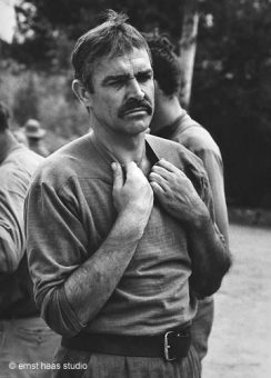 Sean Connery, The Molly McGuyeres